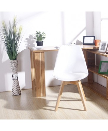 lot-de-4-chaises-scandinaves-blanches-pour-une-salle-a-manger-contemporaine